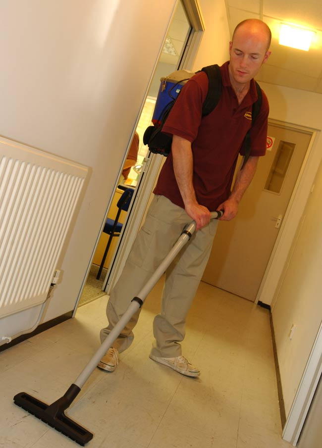 cleaning service for schools